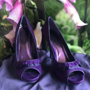 Rampage Purple and Black Front Ruffle Heels Size 8